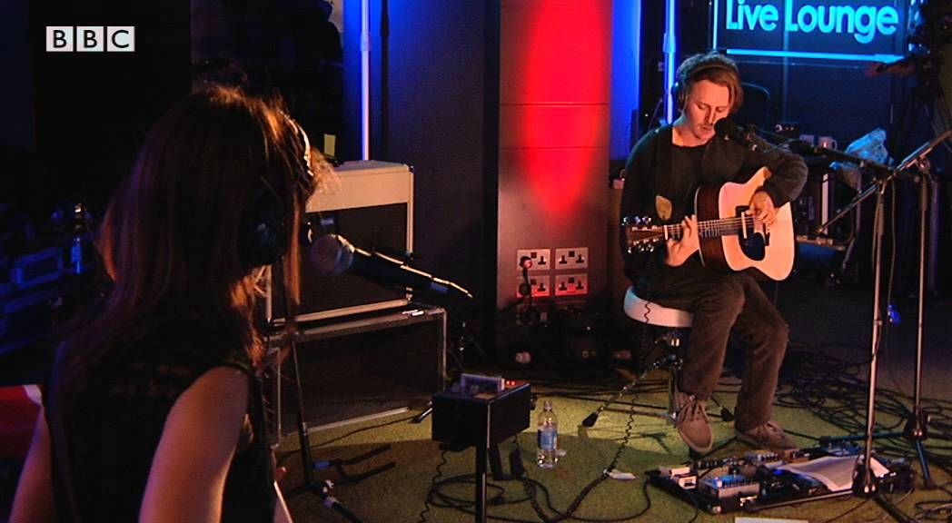 Ben Howard Covers Figure8 I Chase Your Love Around A Figure 8 I Need You More Than I Can Take You Promise Forever And Bbc Radio Bbc Radio 1 Cover Songs