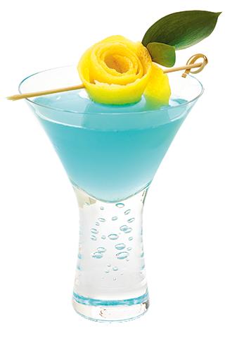 Deep Dive 1 1 4 Oz Alize Bleu Passion Liqueur 1 8th Of A Lemon 2 Oz White Cranberry Juice Lemon Sli Entertaining Drinks White Cranberry Juice Alize Drinks