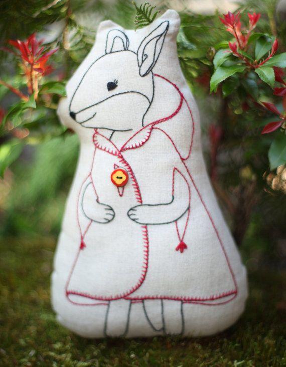 Charlotte Fox pillow PDF pattern embroidered by CynthiaTreenStudio ...