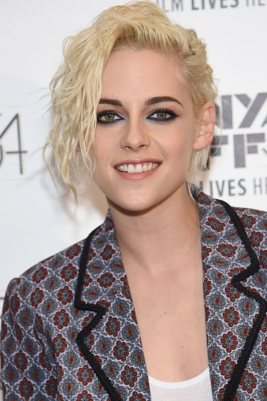 12 Pretty Shades of Platinum Blonde Hair | Coupe de cheveux, Cheveux blond platine, Pousse des ...