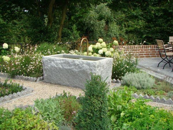Granitbrunnen / Pflanztrog rechteckig spaltrau 60x35x30 Wasser im