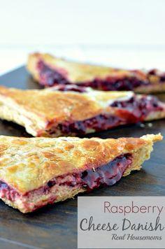 Raspberry Cheese Danish | Real Housemoms | #breakfast #dessert #raspberry #danish