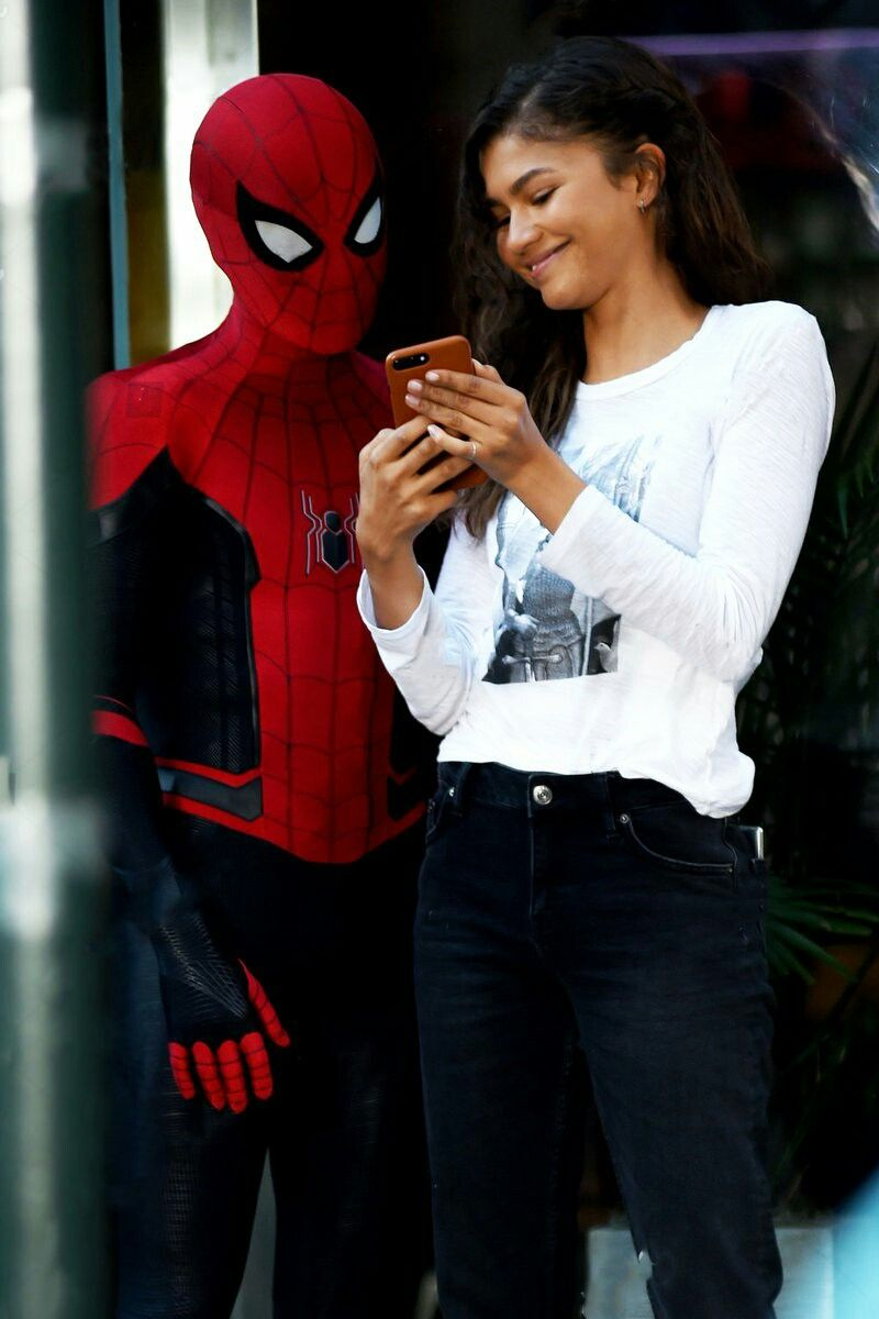e1e1eb424419 #Avengers #spiderman #far #from #home far from home #spidey #zendaya # tomholland #tom #marvel #new suit