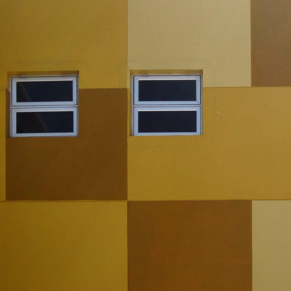 El queso me dijo una persona  #industrialdesign #uabcvalledelaspalmas #windows #yellow by joab.gg