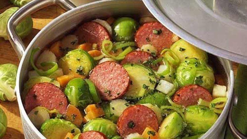Rosenkohl-Eintopf mit Kabanossi #spitzkohlrezeptehackfleisch