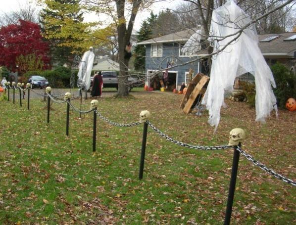 Lighted Skull Chain Fence Outdoor Halloween Halloween Graveyard
