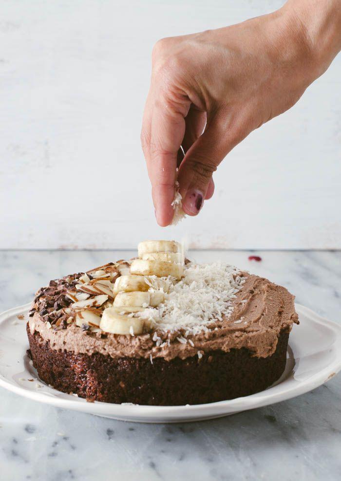 Chocolate Smoothie Bowl Cake