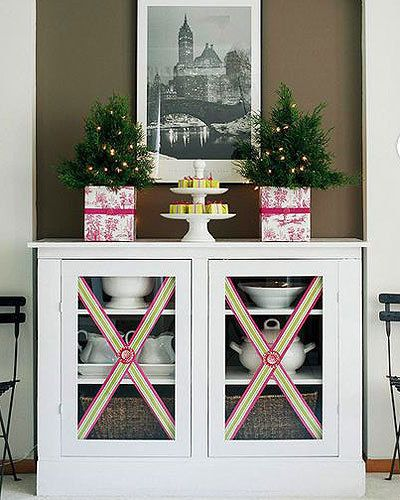 Christmas Dining Room Ideas To Add A Flourish To Christmas: Cabinet Embellishment Carry Your Theme Through To Your