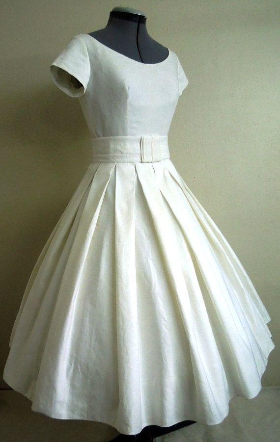 12575fff5c35a0 Einfach und hübsch elegante 50er Jahre Stil Kleid von elegance50s Kleid  Standesamt, Kleider 50er,