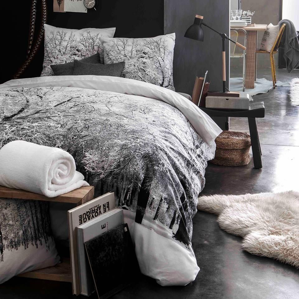 housse de couette en 100 coton 57 fils tissage tr s serr motif for t enneig e couleur. Black Bedroom Furniture Sets. Home Design Ideas