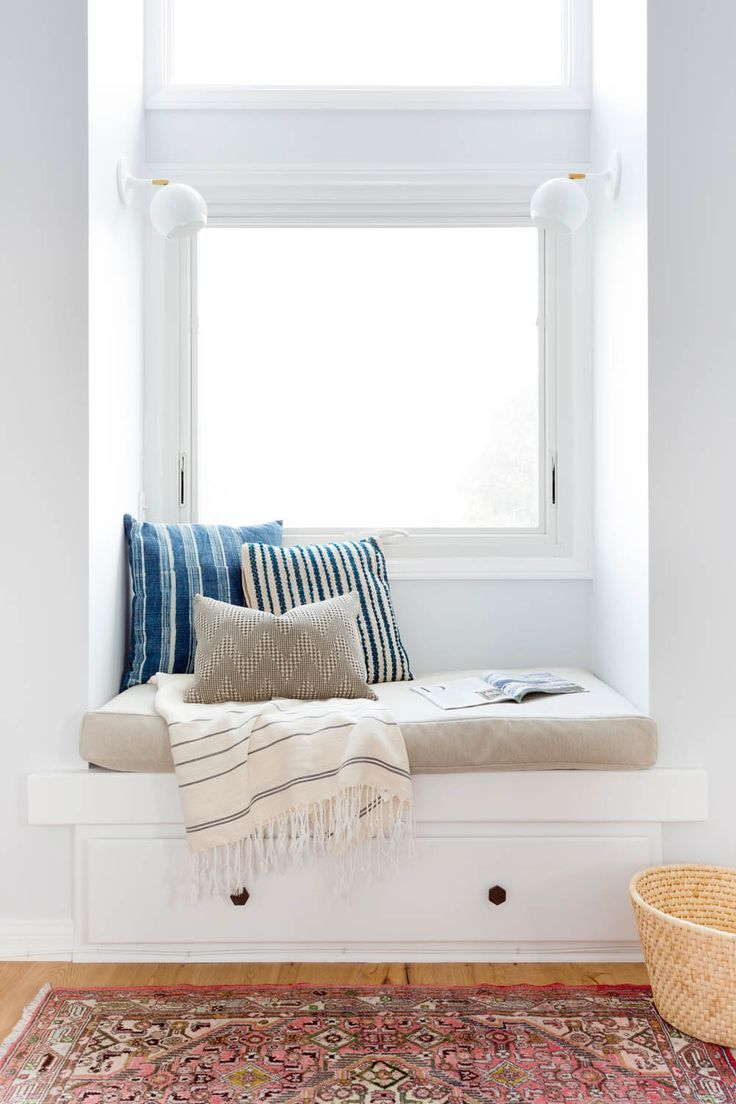 A Cape Cod in California Gets New Life   Rue bench   reading nook ...