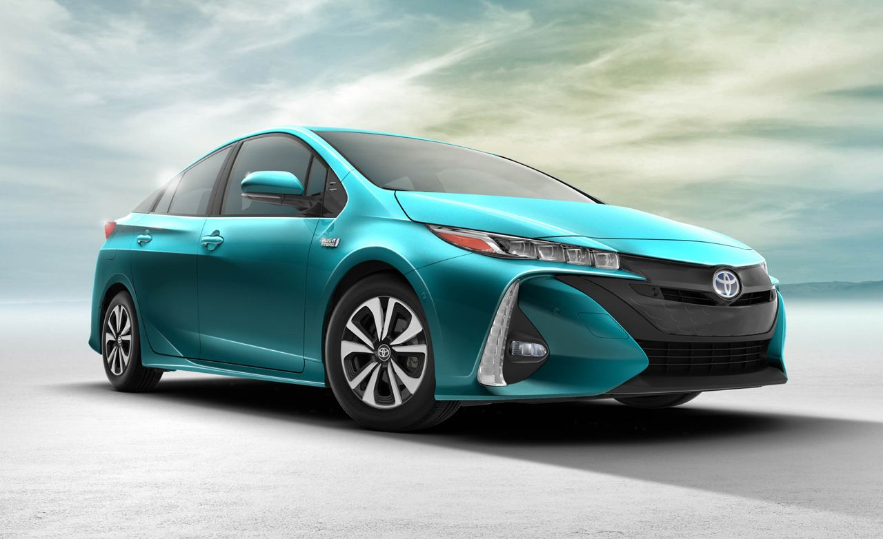 The 2017 toyota prius prime is a generation prius plug in hybrid the toyota prius prime was unveiled in 2016 at the new york international auto show