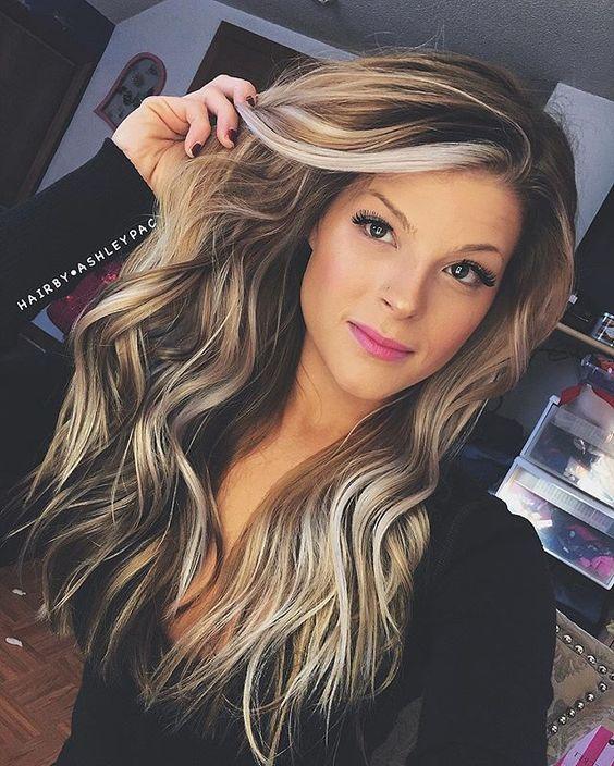 Coupe de cheveux long avec couleur