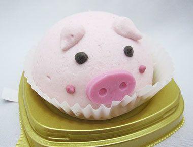 ぶたさん いちごのムースケーキ  セブンイレブン201kcal