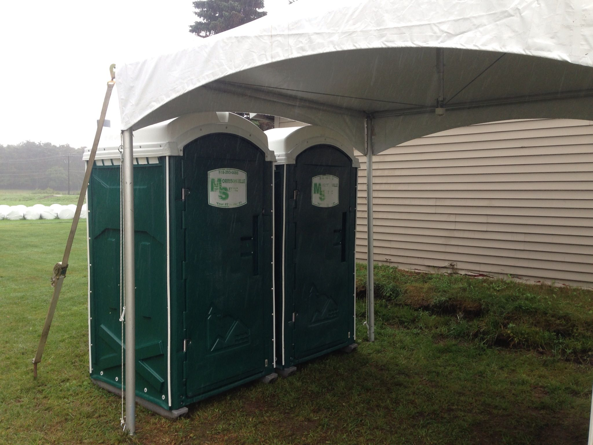 an alternative setup to the luxury restroom trailer porta johns