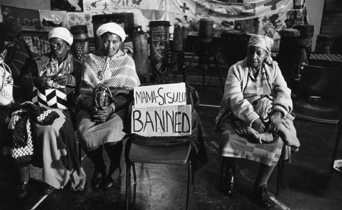 Empty chair at a protest meeting for banned Albertina Sisulu, Johannesburg, February 1988. Picture: Gideon Mendel