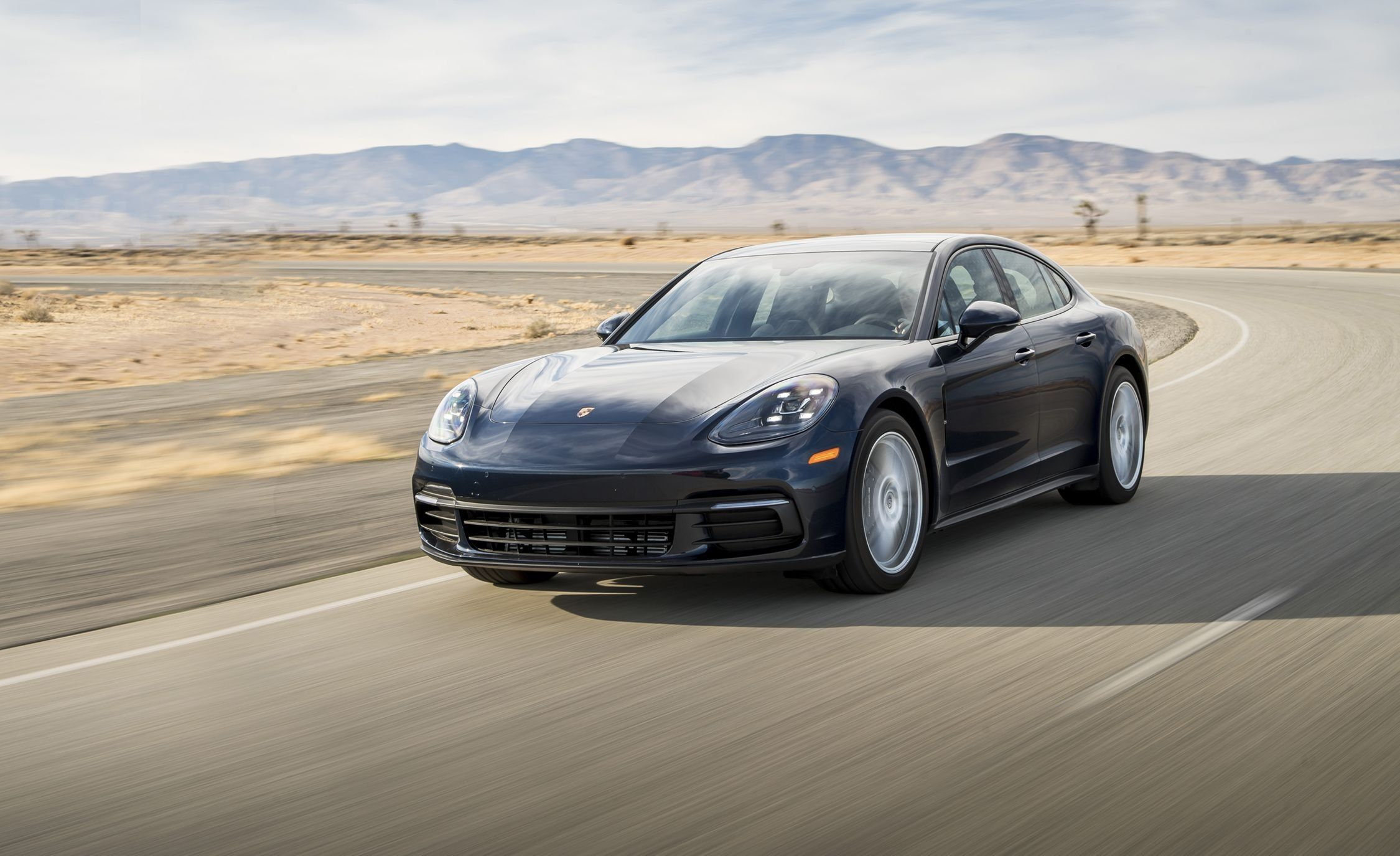 2018 Porsche Panamera Specs and Review