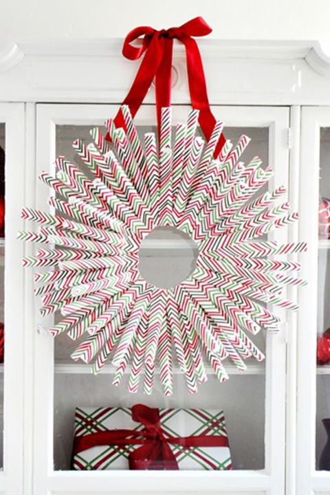 29 super festive trash to treasure christmas crafts