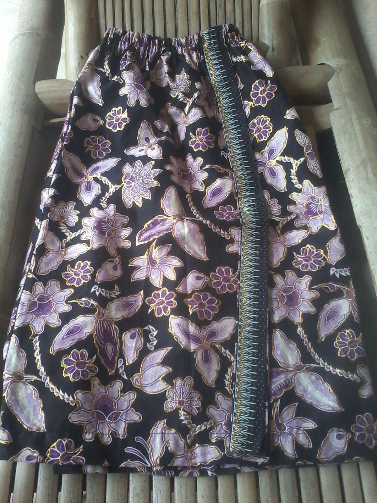 Rok batik prodo Harga 90 000 Call WA SMS 0856 9565 7732 Kebaya