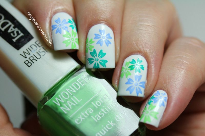 green and blue flowers - nail design | nail designs | Pinterest ...