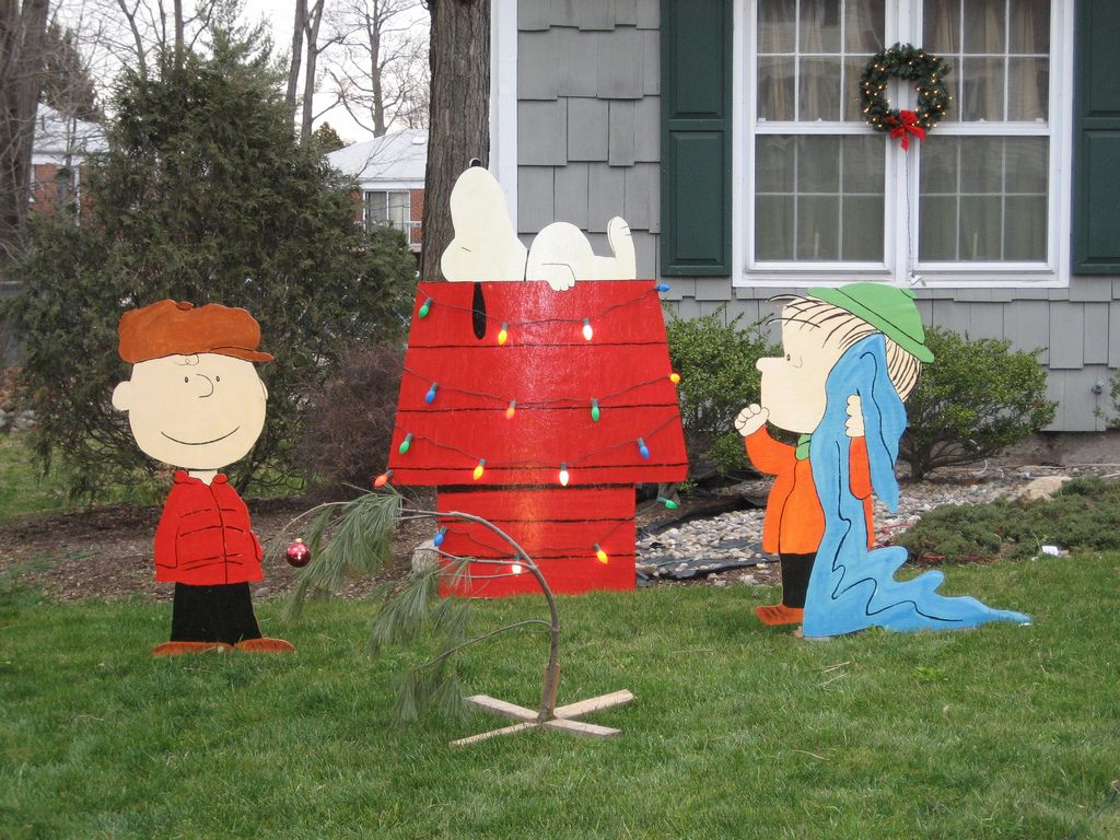 peanuts christmas lawn decorations flickr photo sharing