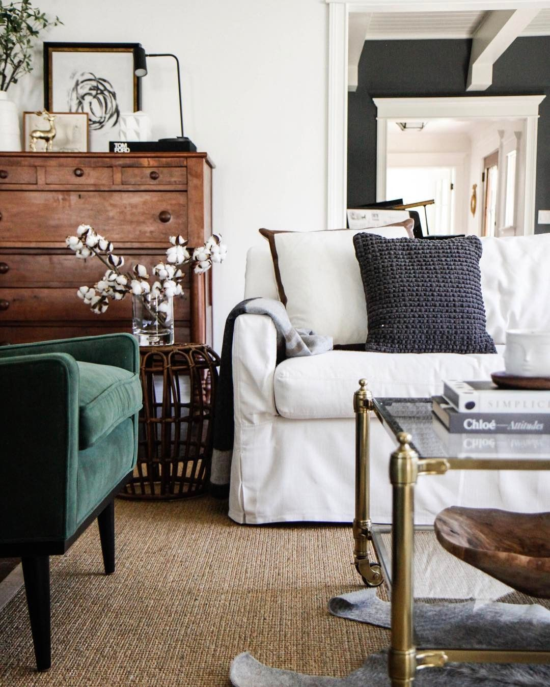 Lifestyle blogger home decorator mom of four and lover of pretty