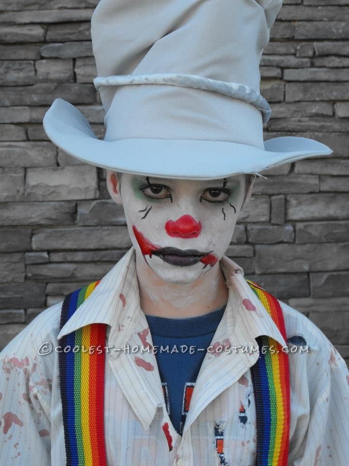 e43987f8bc6 Easy Last-Minute Diabolical Clown Costume for a Tween - 0