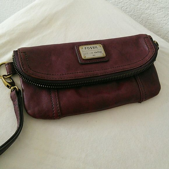 Fossil Emory Foldover Clutch Fossil Emory Foldover Clutch with plainweave lining. Never used. Fossil Bags Clutches & Wristlets