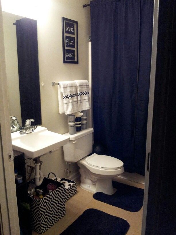My college apartment bathroom black and white with grey for Apartment bathroom ideas