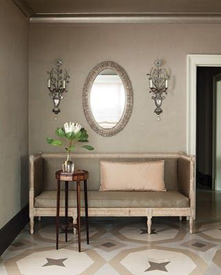 How romantic and understated, neutrals can be so special...