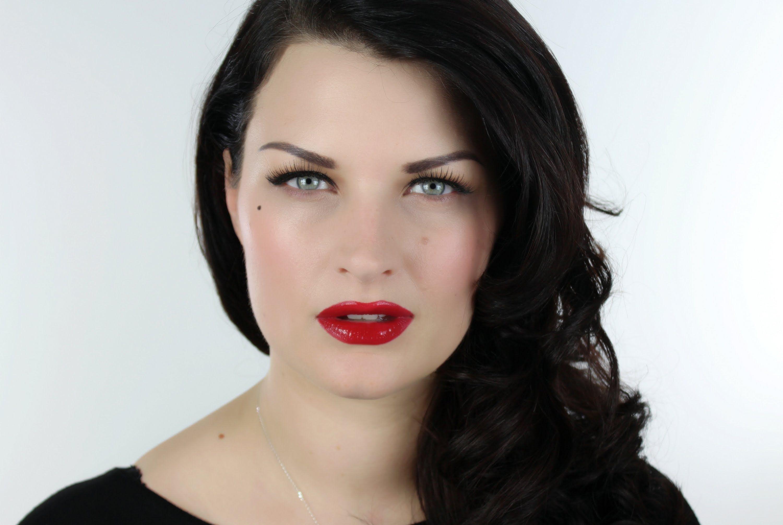 EASY DITA VON TEESE GLAMOUR MAKEUP Dita von teese makeup