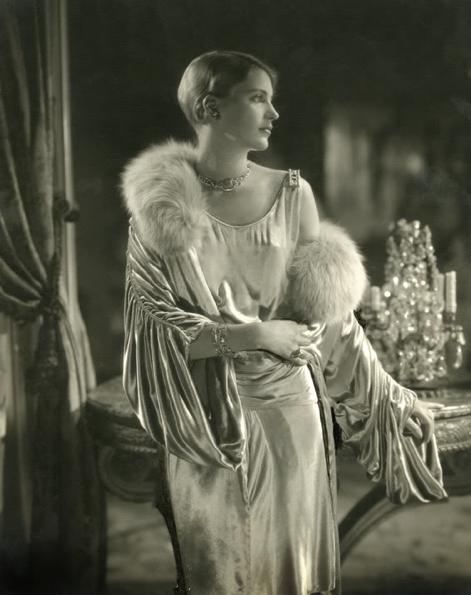 Lee Miller, Edward Steichen, 1928.  An elegant and stylish woman.