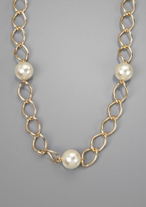 On ideel.com only 19 Hours left to buy at this price! LOLITA Chain Necklace with Faux Pearl Stations
