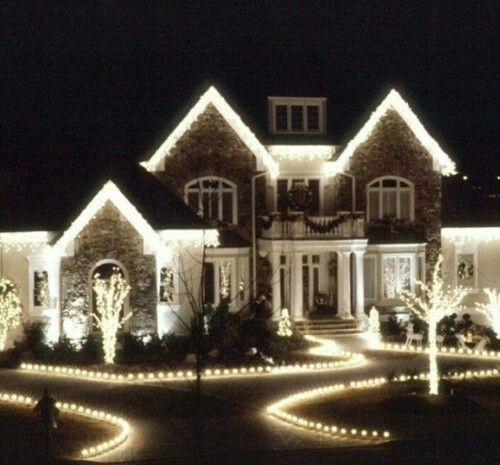 Pin By Sarah Nelson On Christmas Decorations White Christmas Lights Christmas Lights Outside Exterior Christmas Lights