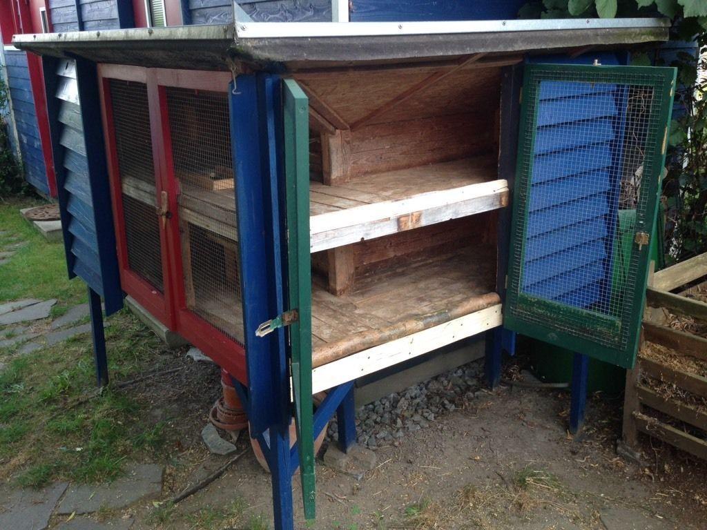 gro er wetterfester meerschweinchen stall mit zwei etagen bietet viel platz f r mehrere. Black Bedroom Furniture Sets. Home Design Ideas