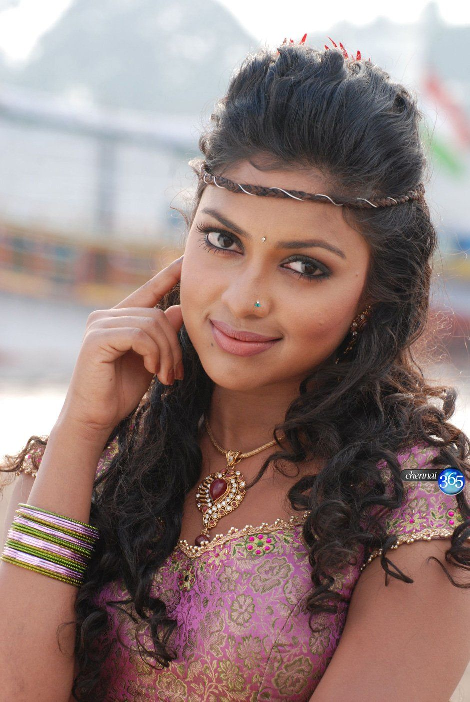 this has to be one of my favorites of ap hair to amala paul
