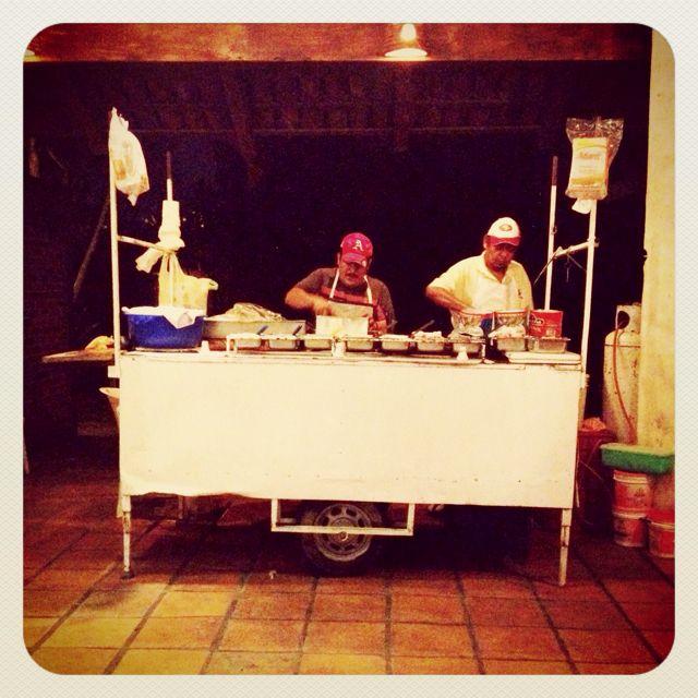 El puesto de tacos, Guadalajara, México…