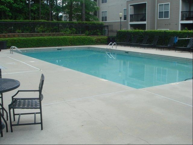 Photos And Video Of Matthews Crossing In Charlotte Nc Living Environment Apartments For Rent Outdoor Decor