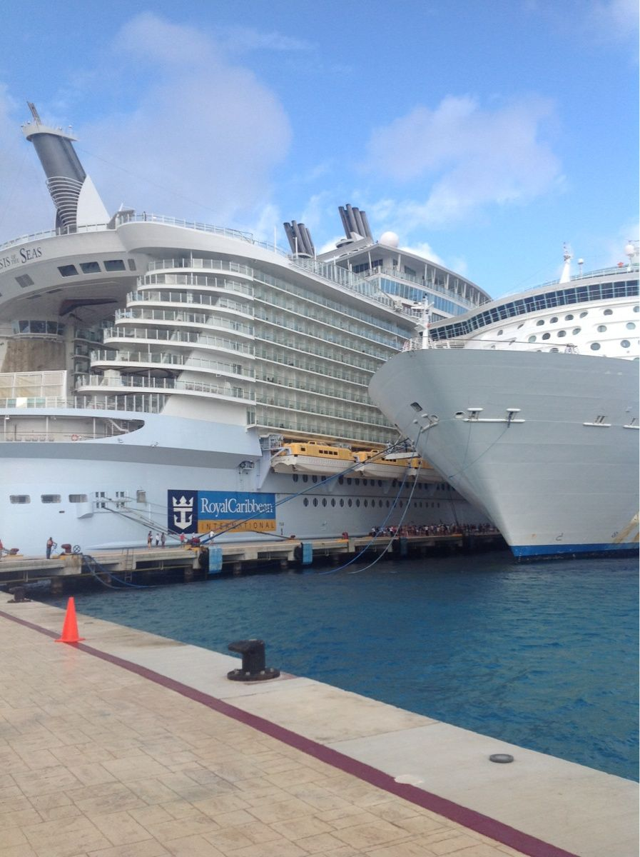 In Comparison Oasis Of The Seas Is The Largest Ship In The World - Royal caribbean ship tracker