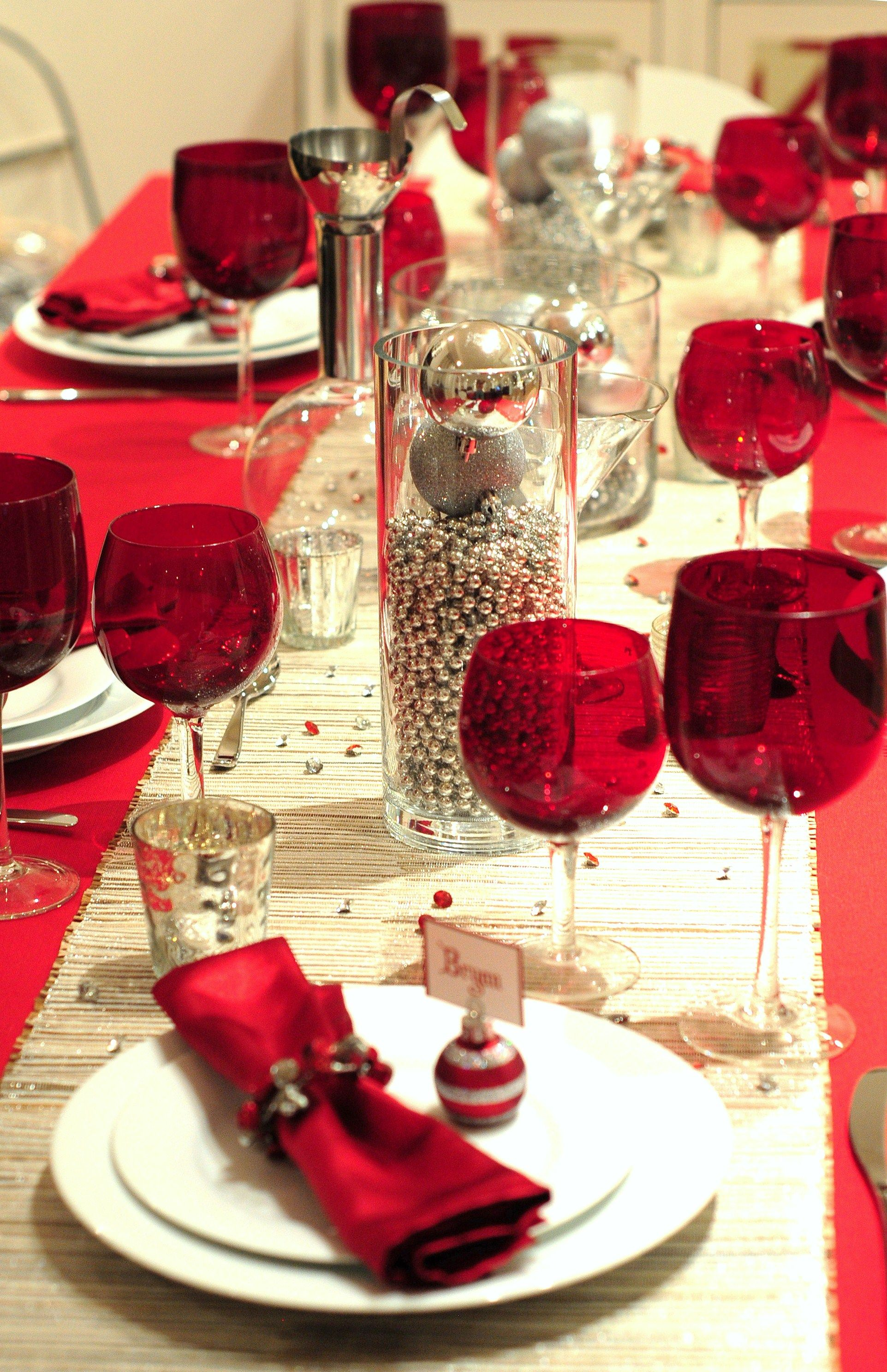 Christmas table setting ask for red wine glasses dream for Easy table setting ideas for christmas