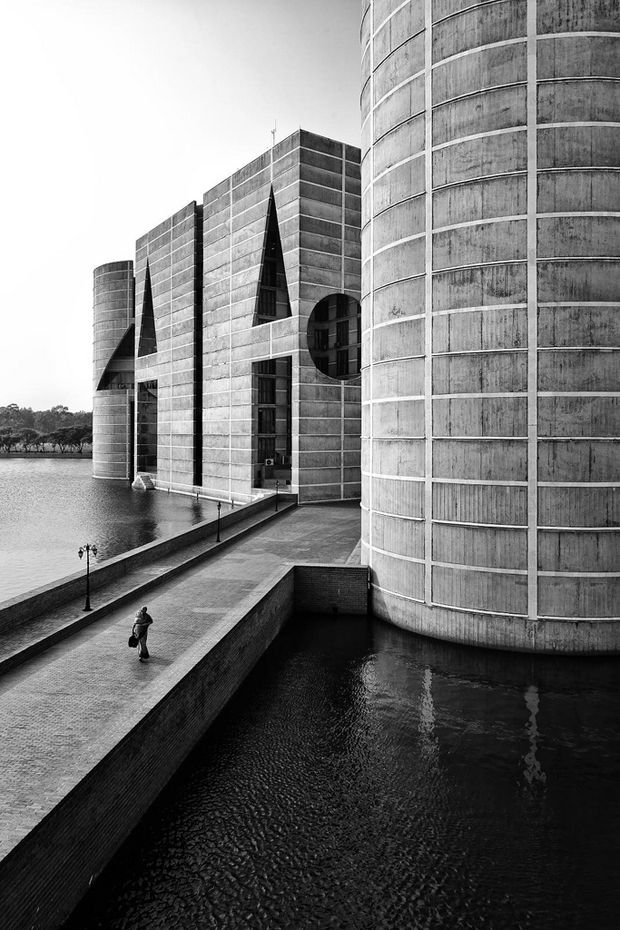 LOUIS KAHN, The National Assembly Building of Bangladesh, 1964-1982, Dakha, Bangladesh. / Open House