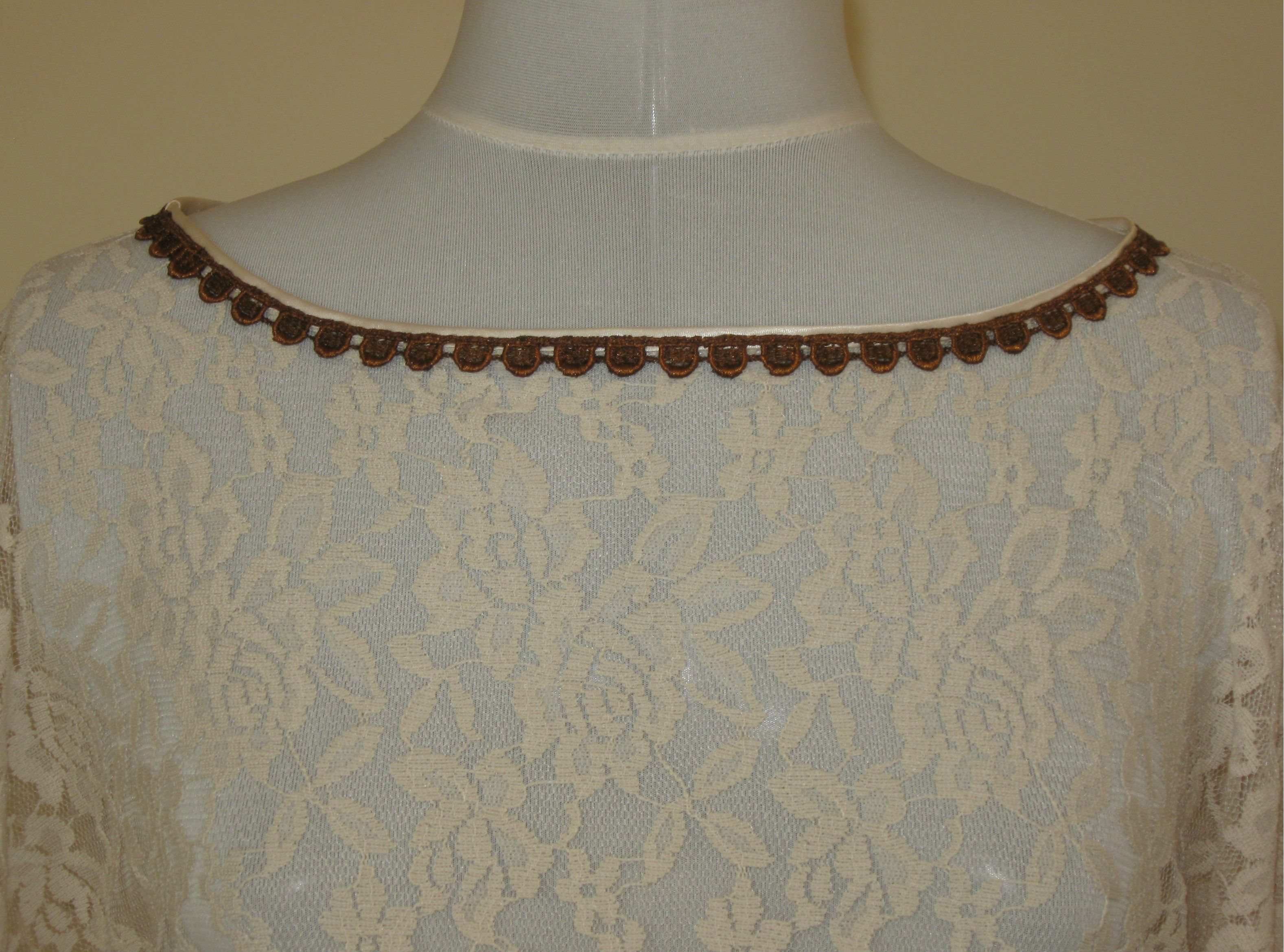 60s Angel Dress neckline