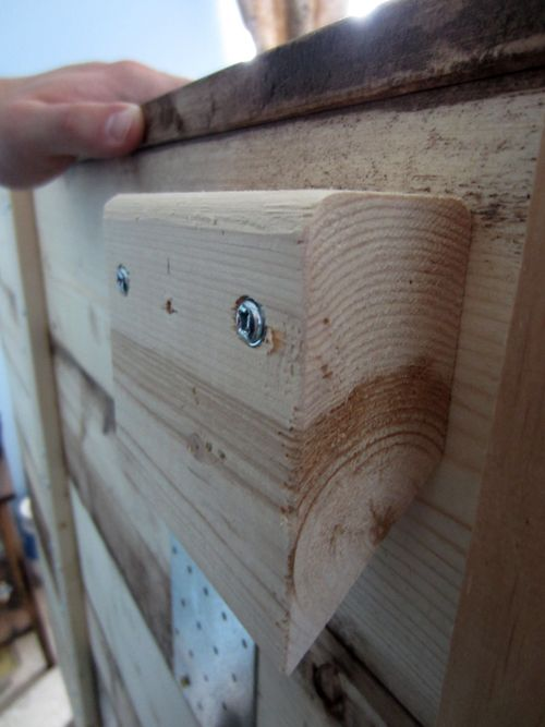 Build King Sized Pallet Headboard