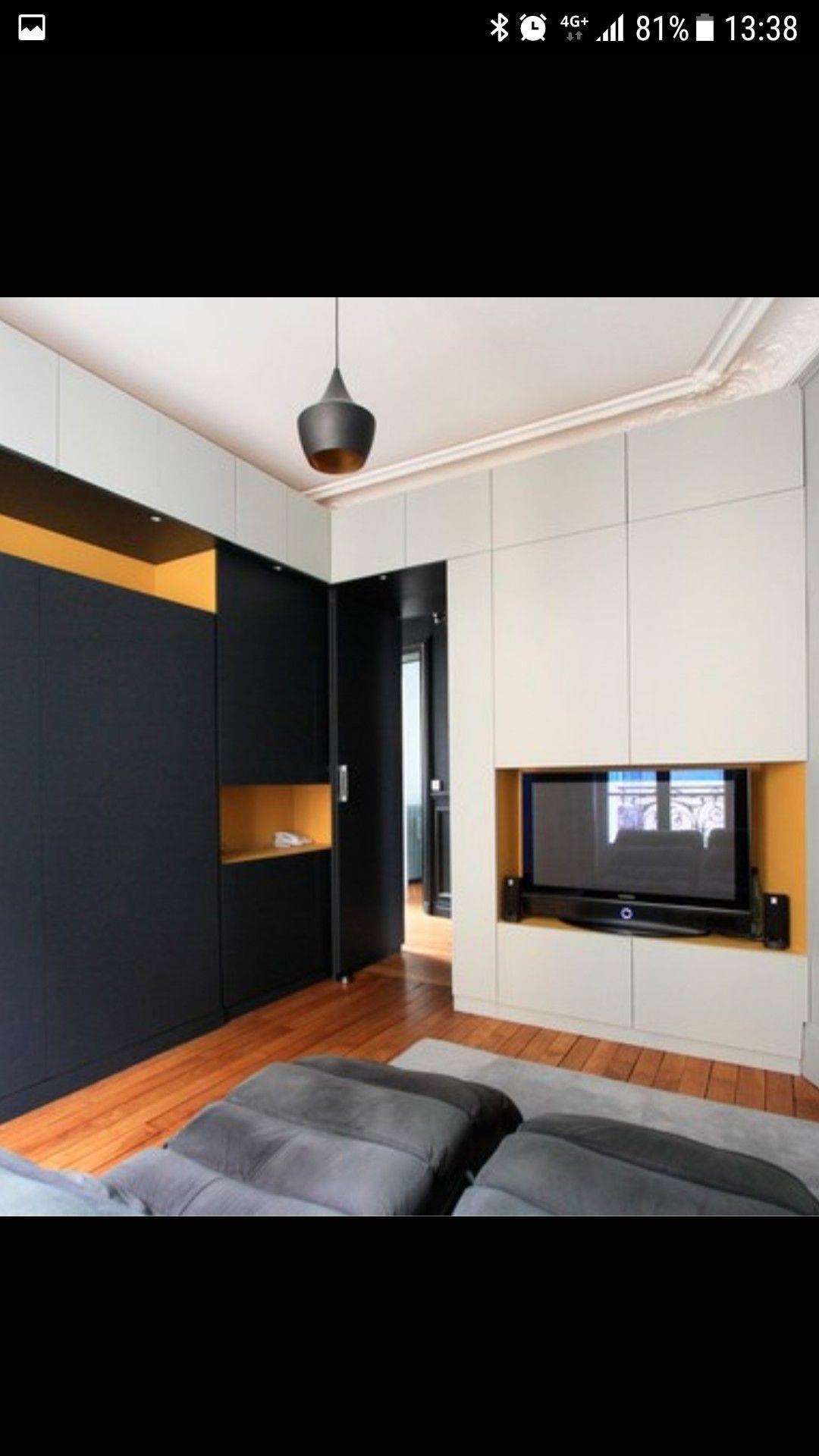 Appartement  Barcelone meuble salon avec modules Besta de Ikea