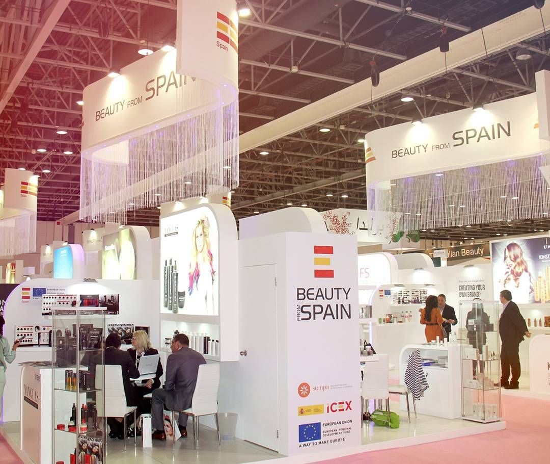 Exhibition Stand In Spanish : Pin de the vip affair en ad exhibition stand design stand