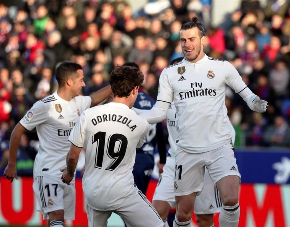Real Madrid mantiene el pulso en la Liga española Real