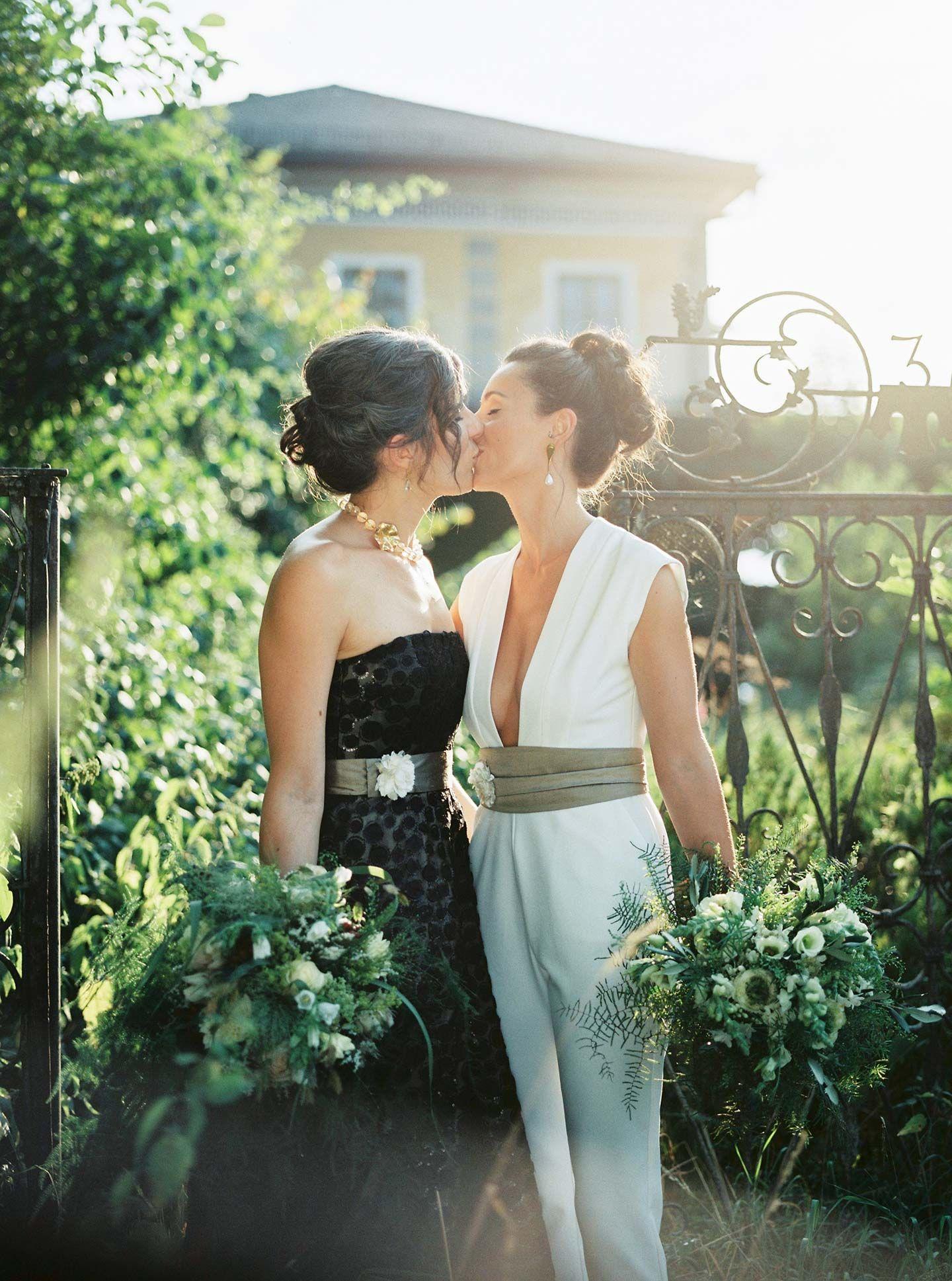 fabulous lesbian wedding dresses wedding photography