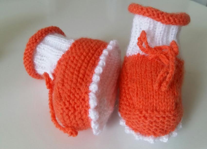 e3fe0a4b2a8e Sapatinho Para Bebê Em Tricô Aproveitando sobras de Lã ou Linha Receita  Completa em tricô Tamanho: De o a 3 meses Materia.