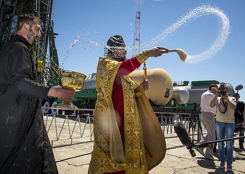 Expedition 36 Soyuz Blessing (201305270003HQ)