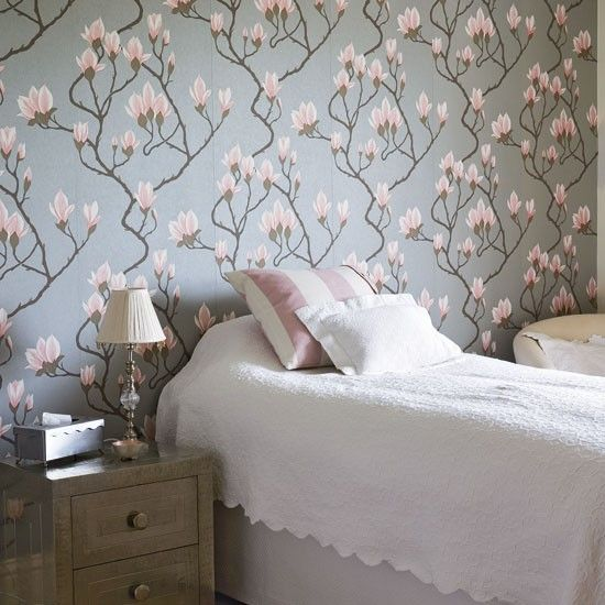 Magnolia wallpaper. Traditional floral bedroom | Floral wallpaper ...